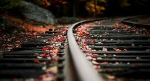 قل السكك الحديد ولا تقل السكك الحديدية